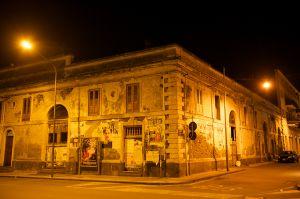Neglected Building | Verwaarloosd Gebouw